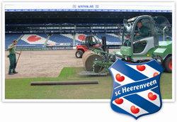 De grasmat van SC Heerenveen is volledig verwijderd en is vervangen door RPR.